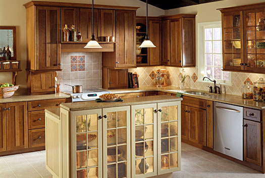 Enjoy the unique beauty of hickory kitchen cabinets for Kitchen designs with hickory cabinets